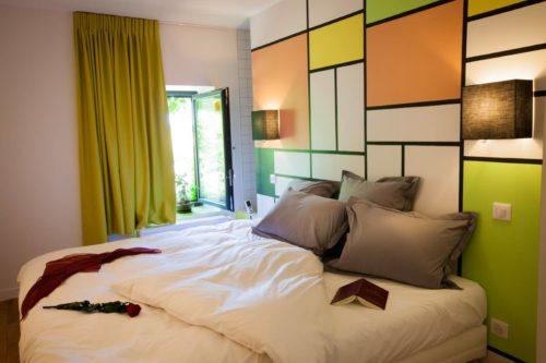 Vue principale de la chambre Mondrian hôtel restaurant Alouette